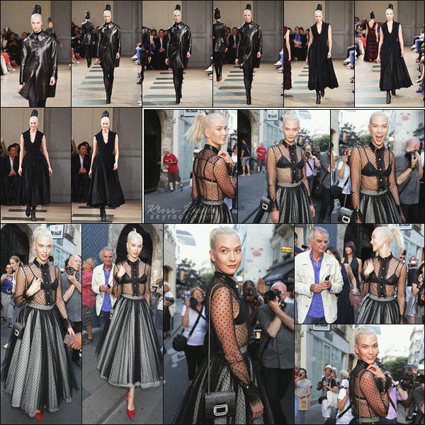 .. ----▷ Runaway -◆- Miss Kloss a défilé pour le styliste Azzedine Alaia à Paris.