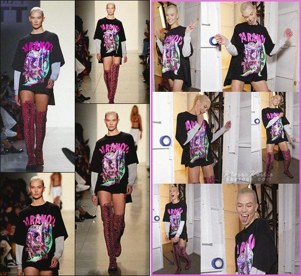 .. ----▷ New York Fashion Week -◆- Karlie Kloss a défilé pour le styliste Jeremy Scott.