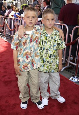 Sprouse 09s Blog The Fan Blog Of Dylan Cole Sprouse Skyrockcom