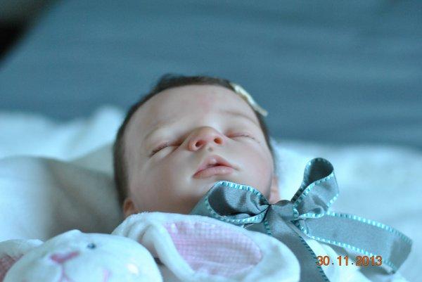 Voici marie joli petit ange disponible à l'adoption