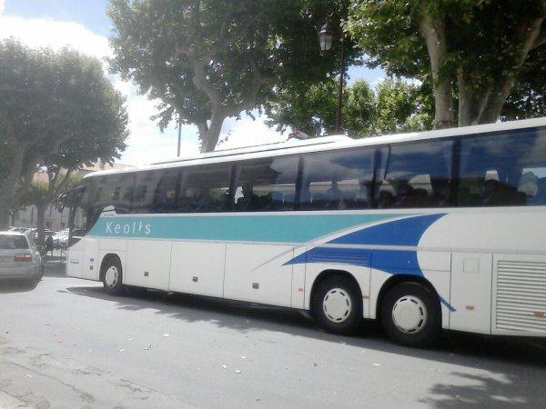 Autocar venant de Pau. A castenaudary cet après-midi