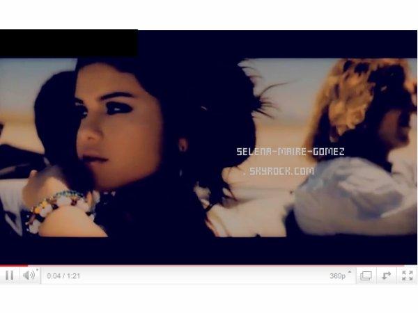 http://selena-maire-gomez.skyrock.com/ |  J'ai rajouté une nouvelle photo de Selena extrait d'un photoshoot inconnue.Elle est vraiment belle.