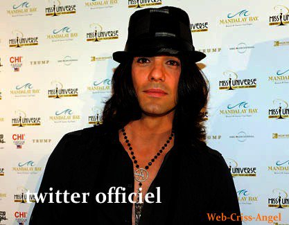 Son site twitter et facebook officiel de Criss Angel