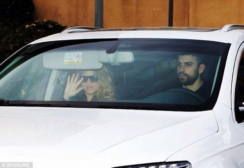 Shakira et Gerard Pique quittent l'hôpital Teknon , le 02 Février