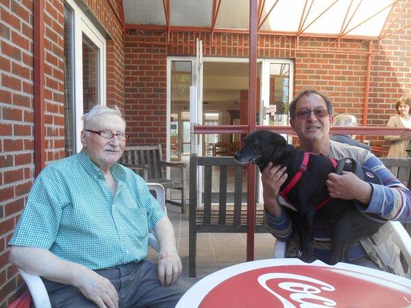 784. Xéna rend à nouveau visite à son parrain à la maison de retraite (1)