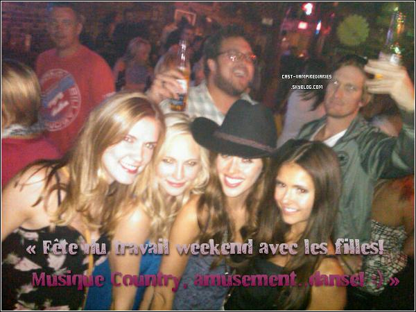 .   Nina a posté plusieurs photos sur twitter où l'on peut voir le Casting de VD .