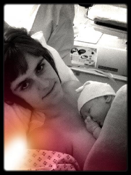 Ma fille et moi après mon accouchement le 8 Juin 2013