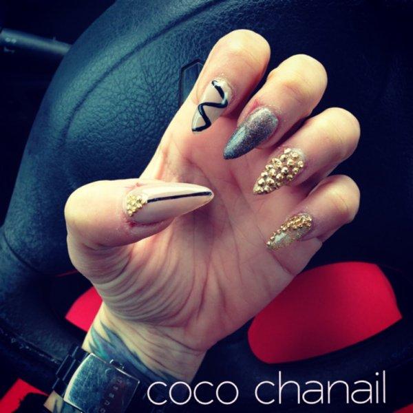 Stiletto Nails Coco Chanail Prothesiste Styliste Ongulaire à Perpignan