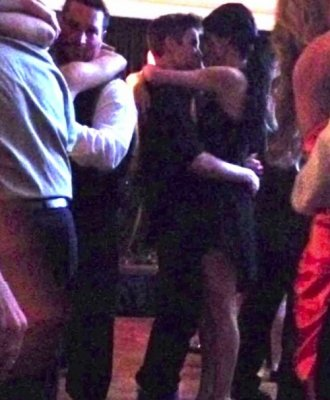 ♥ Selena rend visite à son Boyfriend !