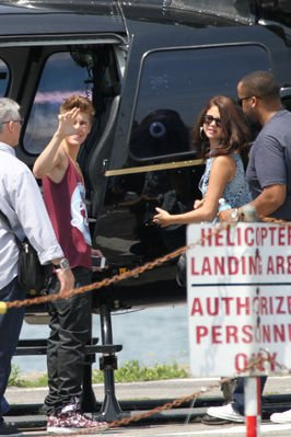 ♥ Selena & Justin Prennent L'hélicoptère !