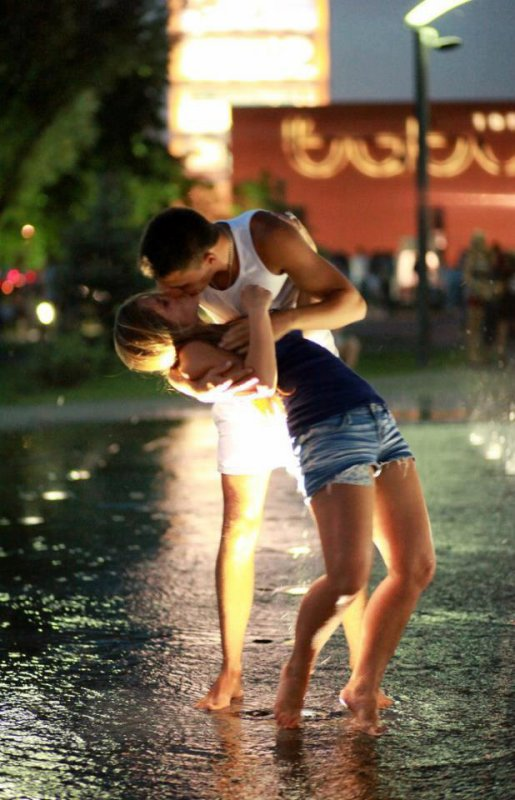 Ne fais pas l'amour dans ton jardin,l'amour est aveugle, mais pas ton voisin