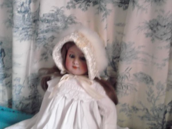 joli petit bonnet cygne et soie une merveille