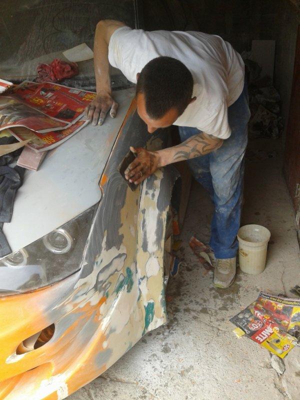 préparation de l aile avant gauche avant mise en peintre