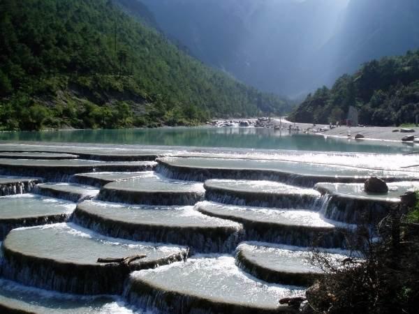 Beauté du monde : Terrasses d eau  blanche de Shangri la Chine