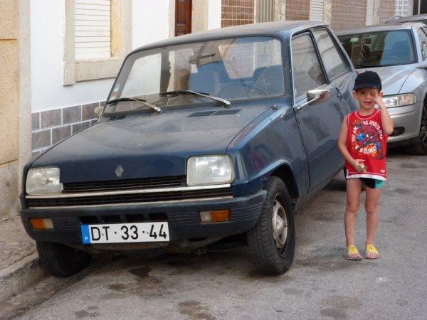 Renault 5 au Portugal .