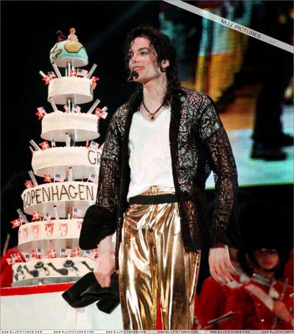 HAPPY BIRTHDAY MICHAEL !