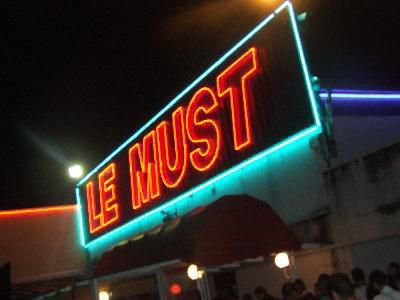 LE MUST
