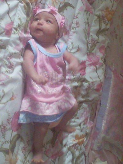 c est ma petite cousine Hadil