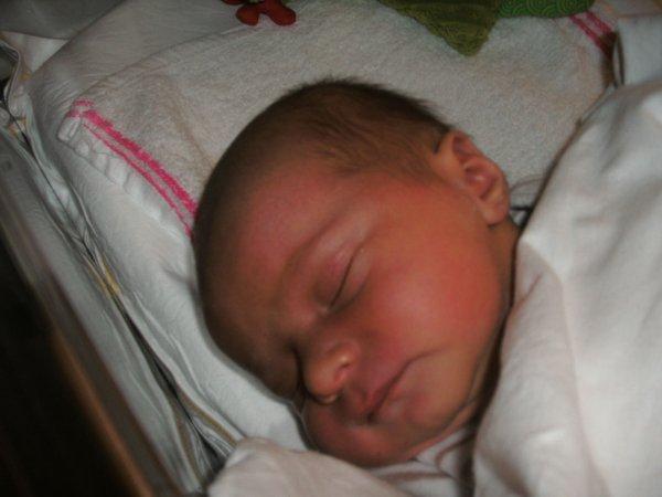 Timaël à la maternité