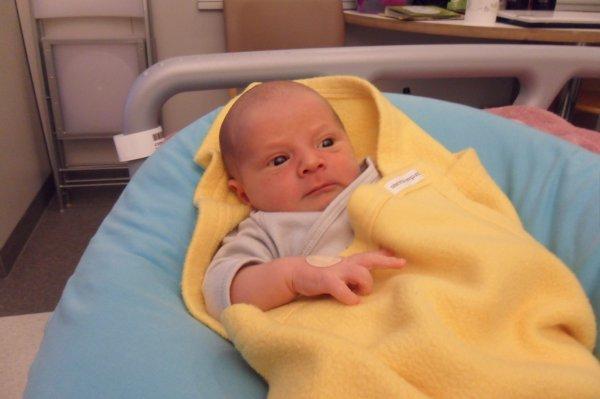 Timaël à la maternité :D