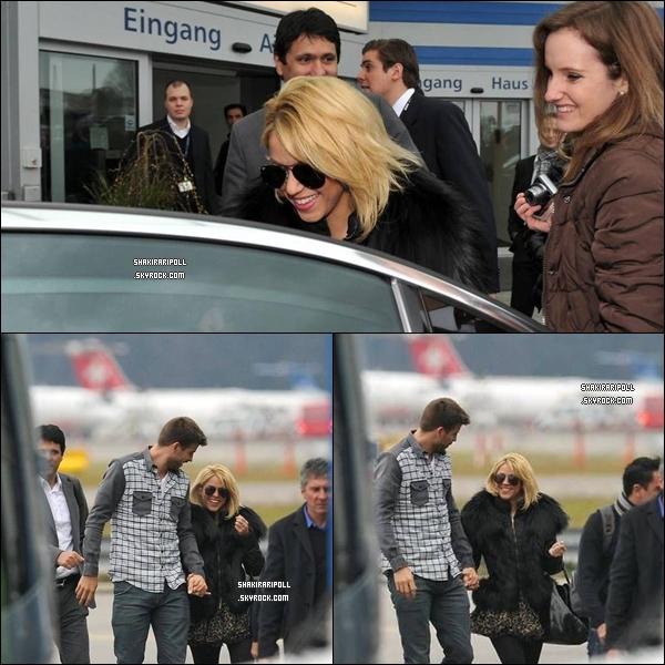 09 Janvier 2012 : Shakira a été vue à l'aéroport de Zurich, en Suisse, en compagnie de Gerard Piqué, où elle s'est rendue au gala du « Ballon d'Or ».