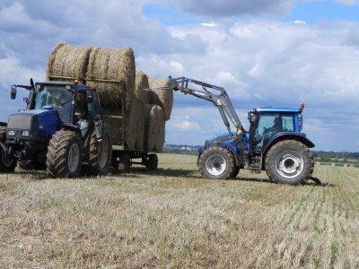 Ramassage de la paille de blé