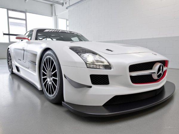 Mercedes SLS AMG GT3 .