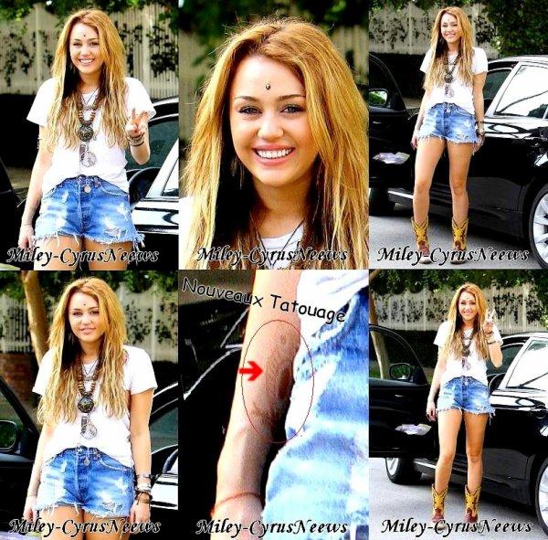 Le 23 Octobre 2010 : Miley était à Los Angeles A Toluka Lake