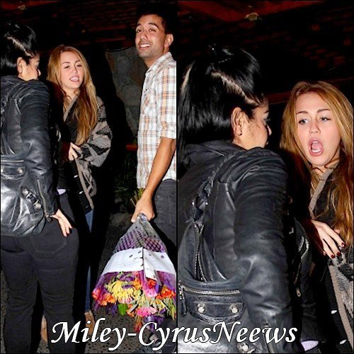 Le 24 Novembre Miley à été photographiée dans Studio City (Californie) alors qu'elle célébrait son 18ème anniversaire  ;)