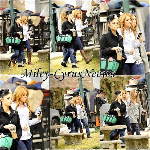 Le 16 Décembre 2010 : Miley sur le tournage de « So Undercover » qui est toujours en Nouvelle-Orléans.
