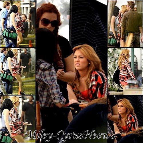 Le 17 Décembre 2010 : Miley sur le tournage de « So Undercover » photos datant d'hier (16 décembre).