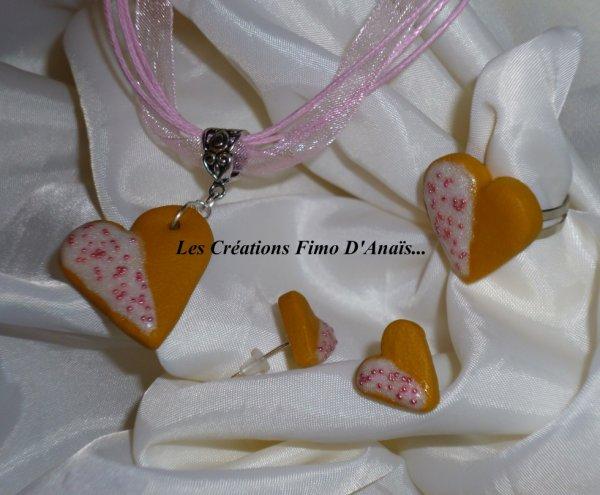 """Parure """"biscuit coeur glaçage blanc nacré et son sucre rose"""""""