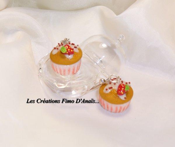 Boucles d'oreilles cupcakes fraise ^^