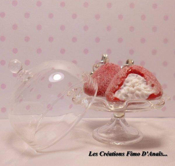 Boucles d'oreilles fraises tagada ^^