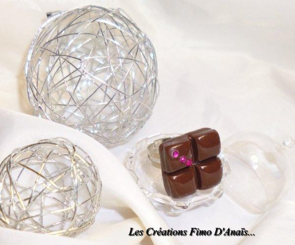 Bague carré de chocolat & strass violine