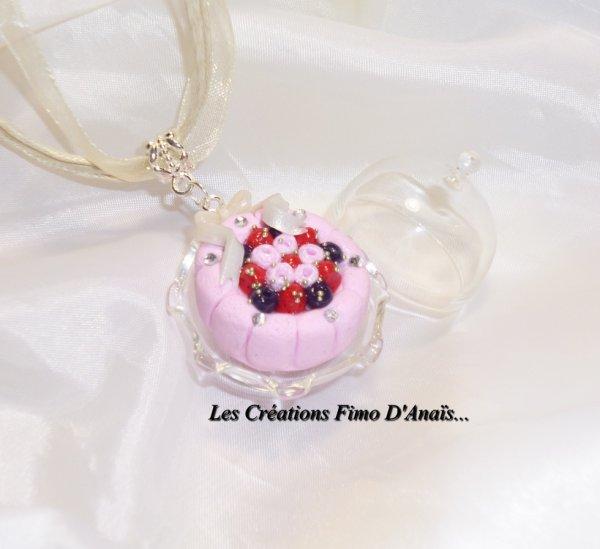 Magnifique collier charlotte fruits rouges :p