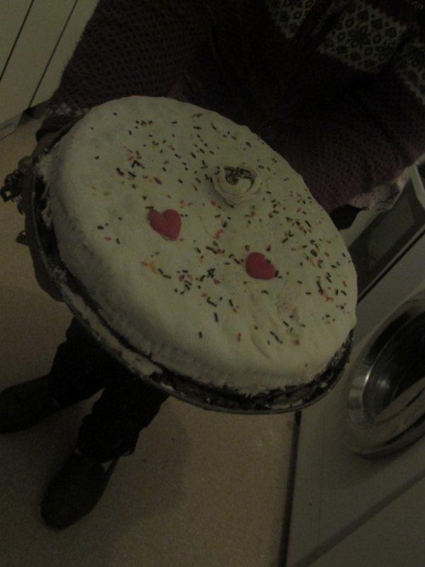 mon premier gateau Genoise/ pâte à sucre