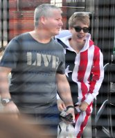 ♥ Justin rejoint son bus, Nottingham