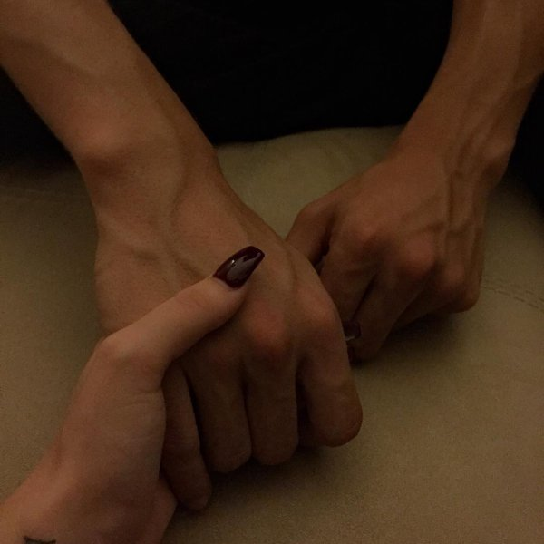 """""""T'as le mérite d'avoir un homme comme lui, mais t'as envie d'un homme comme moi."""" - Ash Kidd"""