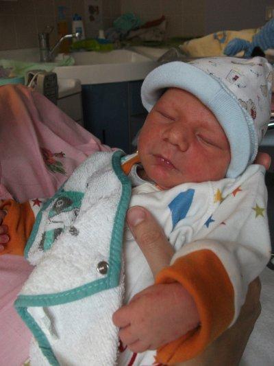 voici mon fils ne le 13 juin  Aurélien