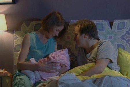 Choc ! Armelle et Jean-Paul se retrouvent dans le même lit !