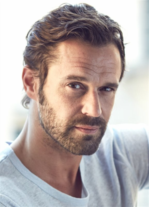 Renaud Roussel (Arnaud) intègre le casting de Clem
