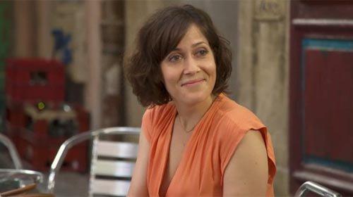 Carla Martinez (Coralie André)