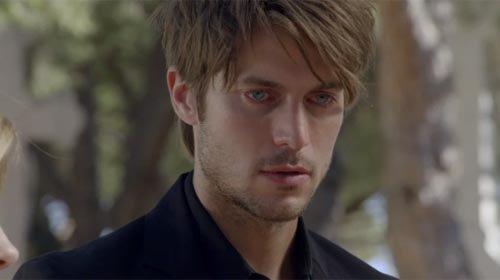 Mathieu Grange (Lucas Bravo)
