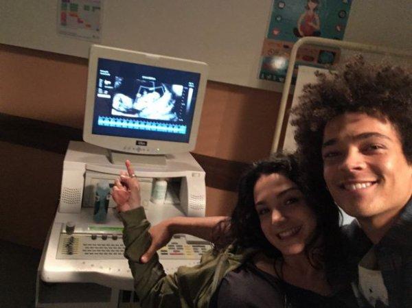 Découvrez les premières images du bébé d'Emma et Baptiste !