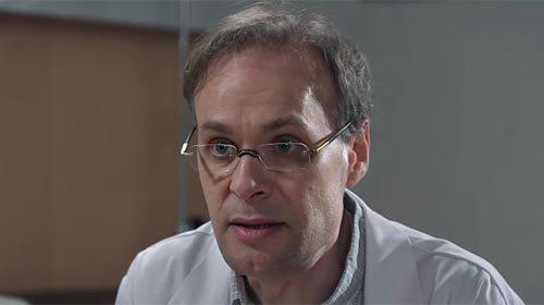 Dr Marquet (Philippe Koa)