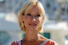 Rebecca Hampton (Céline) dévoile le salaire mirobolant qu'elle touchait dans « Y'a que la vérité qui compte » sur TF1 !