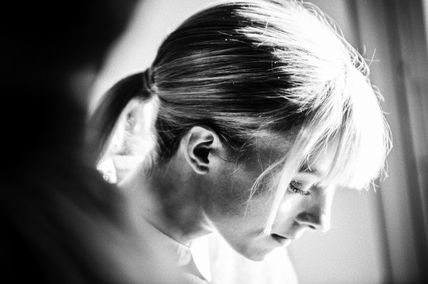 Sara Mortensen (Coralie) dans « Astrid et Raphaëlle » sur France 2