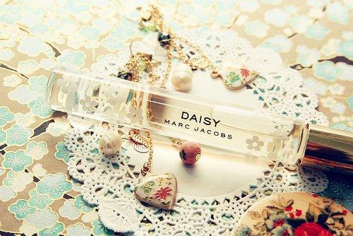 Faire tenir son parfum plus longtemps