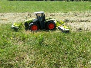 MON DIORAMA SUR LE FAUCHAGE AVEC MINIATURES AGRICOLES
